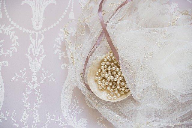 bridal-1867900_640