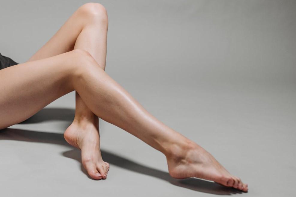 hezké bosé nohy