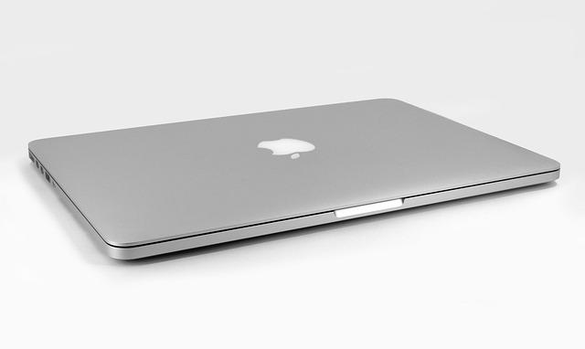 přenosný počítač apple.jpg