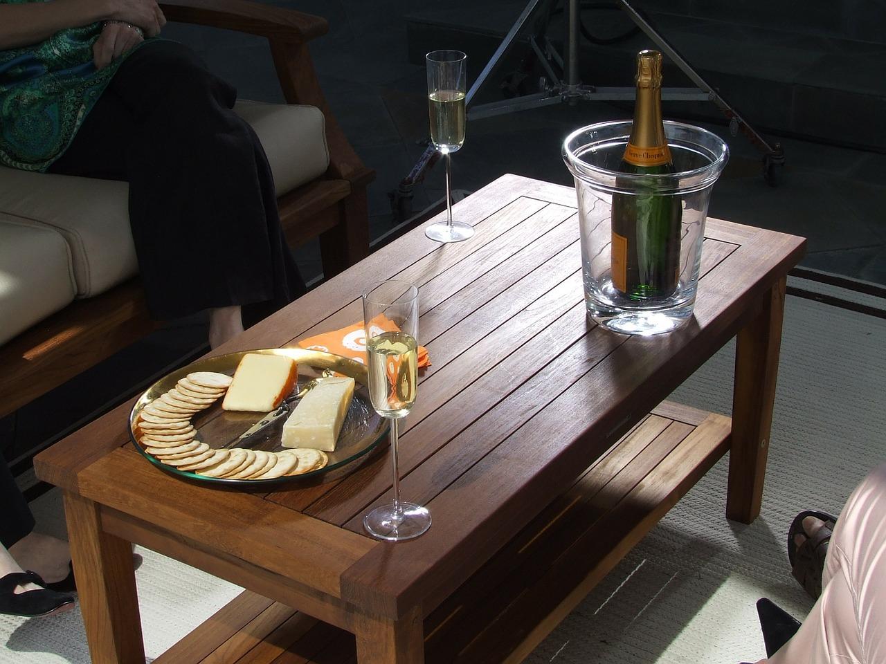 stolek z masivu